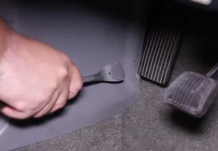 How To Install Fox Body Mustang Kick Panels - How To Install Fox Body Mustang Kick Panels